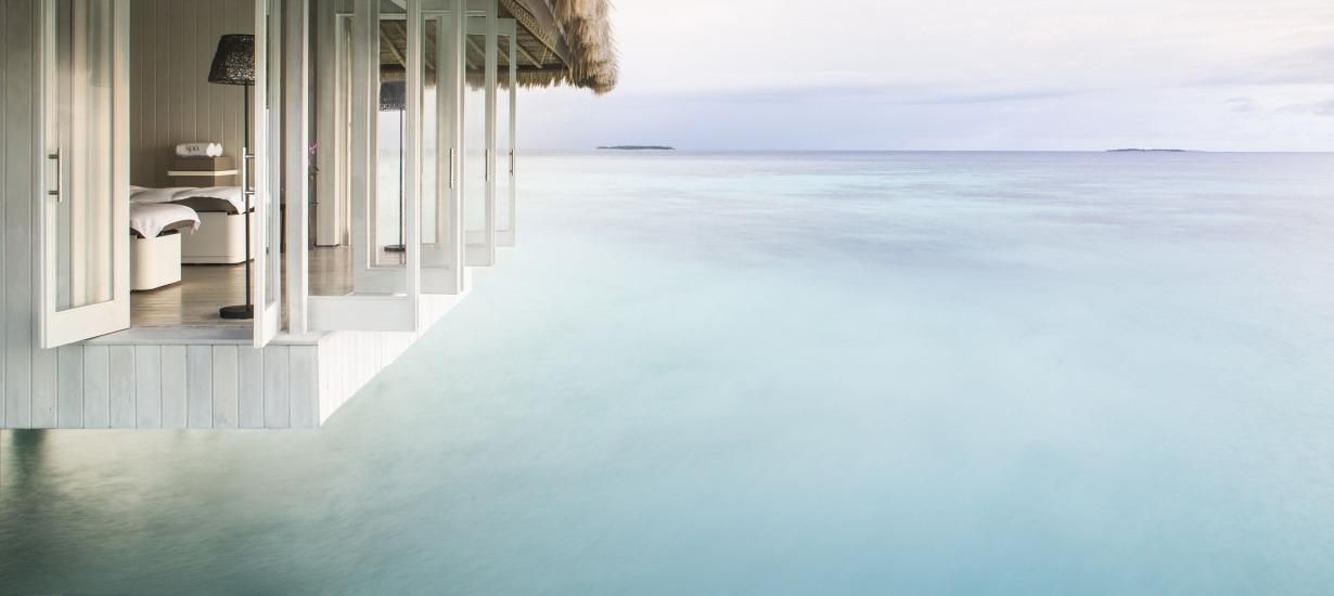 Cheval Blanc Randhel overhanging pool