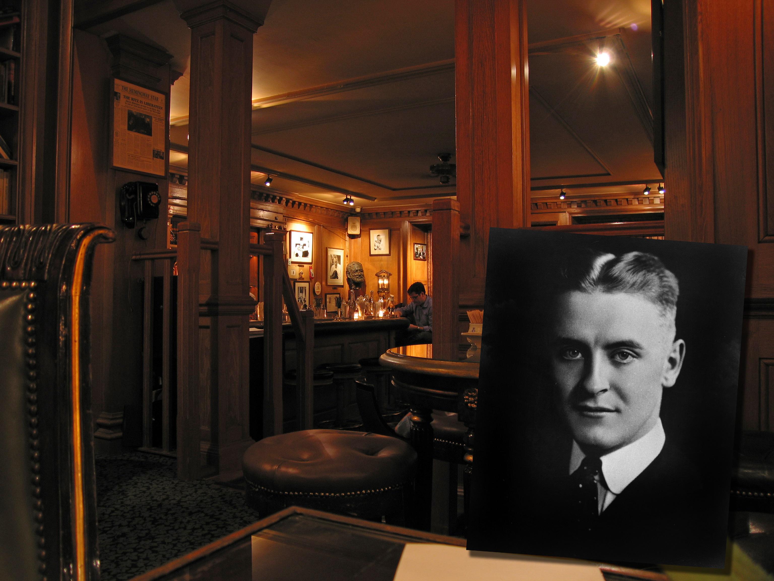 Ritz Hemmingway Bar
