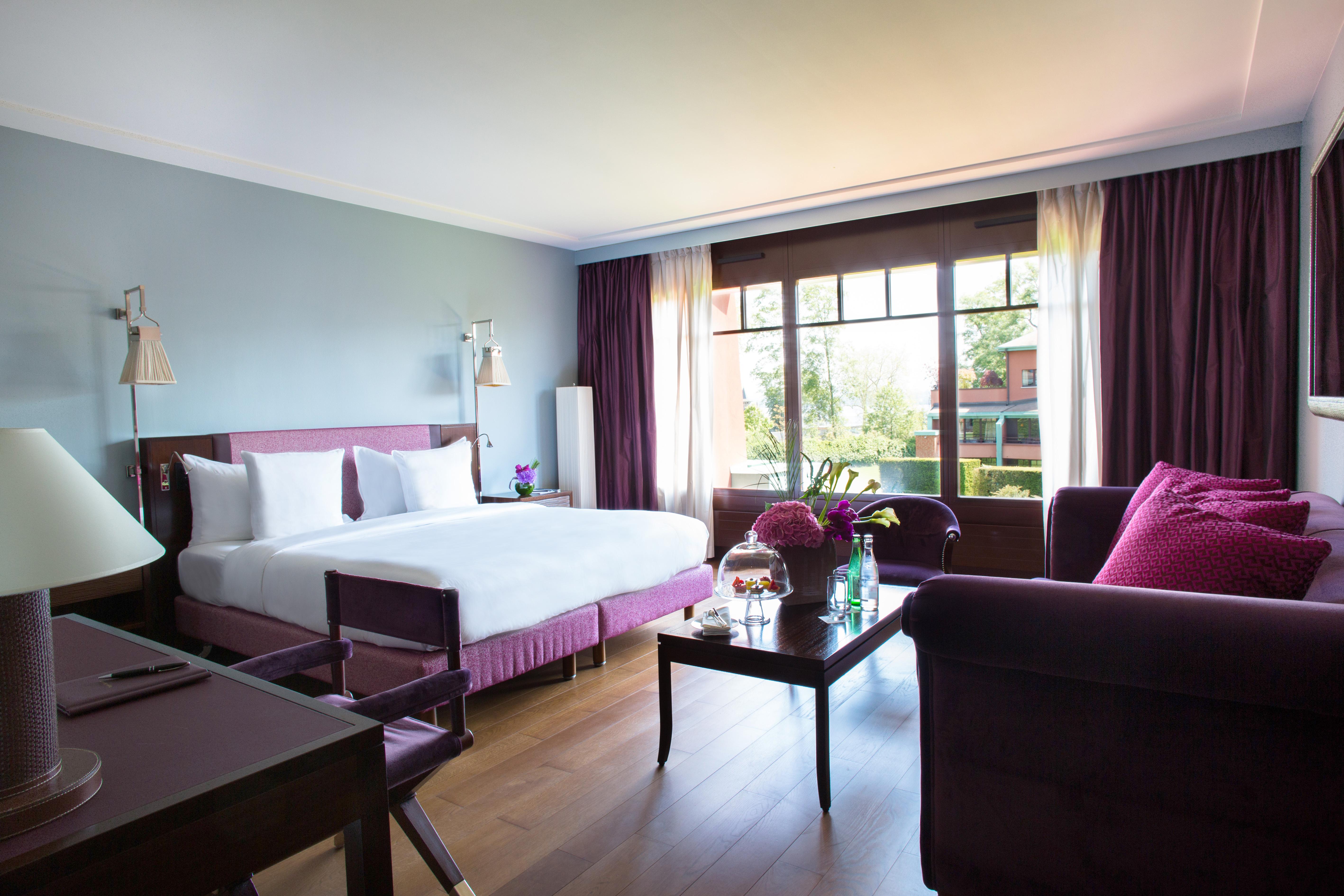 La-Reserve-Geneve-Deluxe-Room-508-2