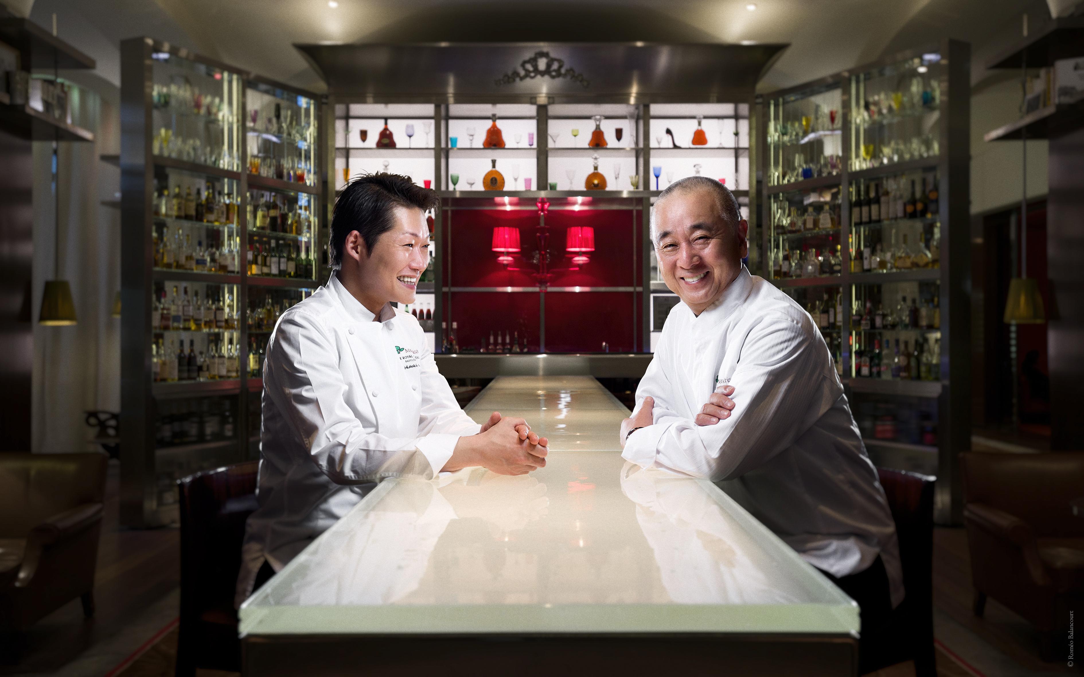 Le Royal Monceau Raffles Paris - Chefs Nobu Matsuhisa & Hideki Endo - Le Bar Long ©Romeo Balancourt