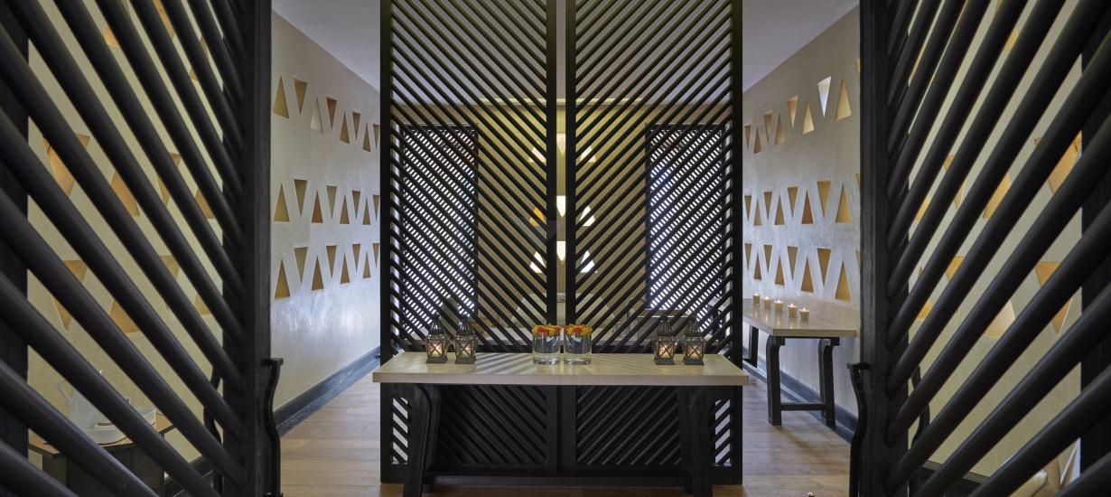 Cheddi Andermatt interior spa