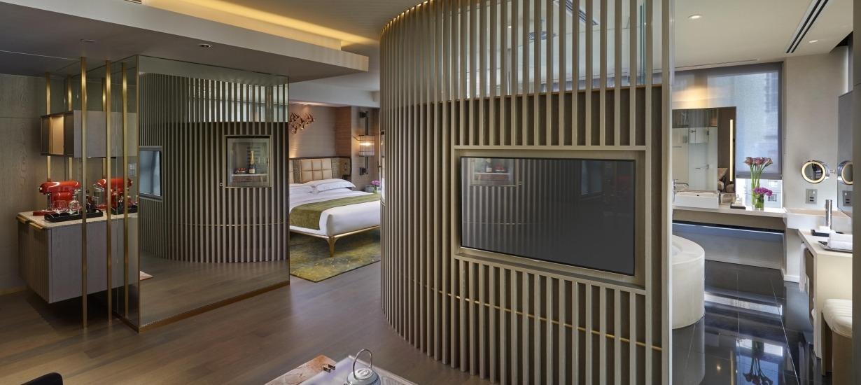 Mandarin Oriental - Landmark Mandarin Oriental -  Deluxe Suite living room.