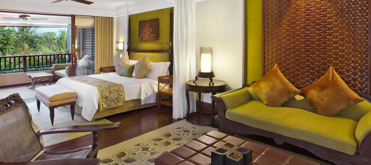 St Regis Bali - St. Regis Suite Bed