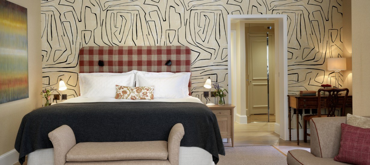discover the stafford london 39 s new suites the carriage house and the gatehouse the brothers. Black Bedroom Furniture Sets. Home Design Ideas