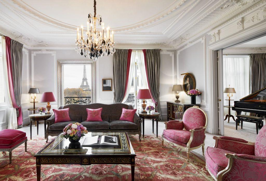 Hôtel Plaza Athénée's Haute Couture Suite